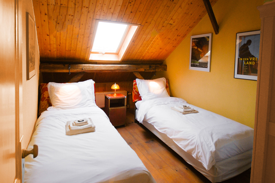 Romantische bed and breakfast buren in de betuwe - Kamer met luifelbed ...
